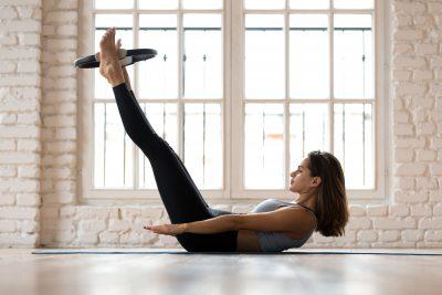 methode pilates fitness avec un anneau